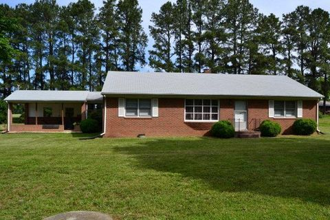 325 John Randolph Rd, Farmville, VA 23901