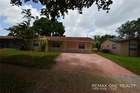 Photo of 6451 Pershing St, Hollywood, FL 33024