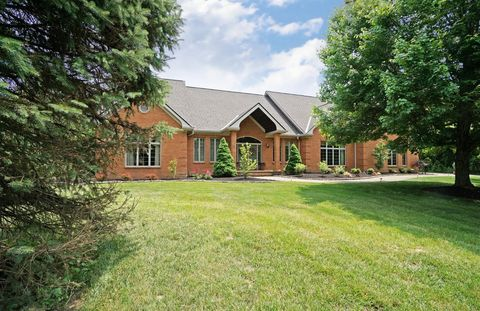 Photo of 887 Country Club Dr, Pierce Township, OH 45245