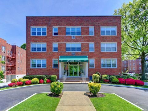 Photo of 364 Stewart Ave Apt A2, Garden City, NY 11530