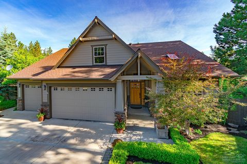 Bend Or Houses For Sale With 2 Car Garage Realtor Com