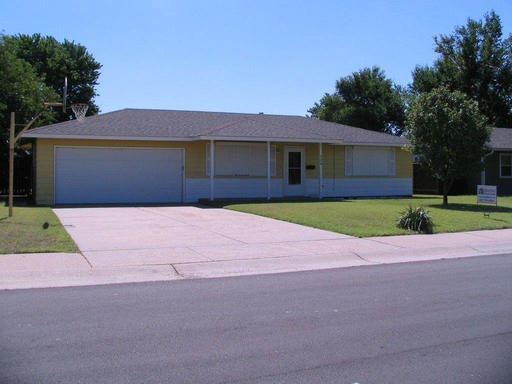724 Wilson St Great Bend, KS 67530