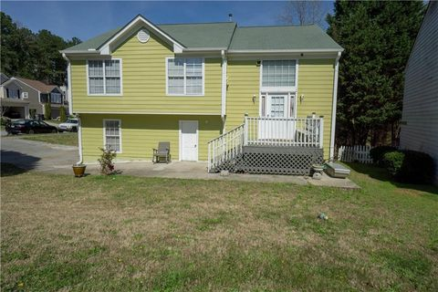 Photo of 1491 Glynview Cir, Lawrenceville, GA 30043