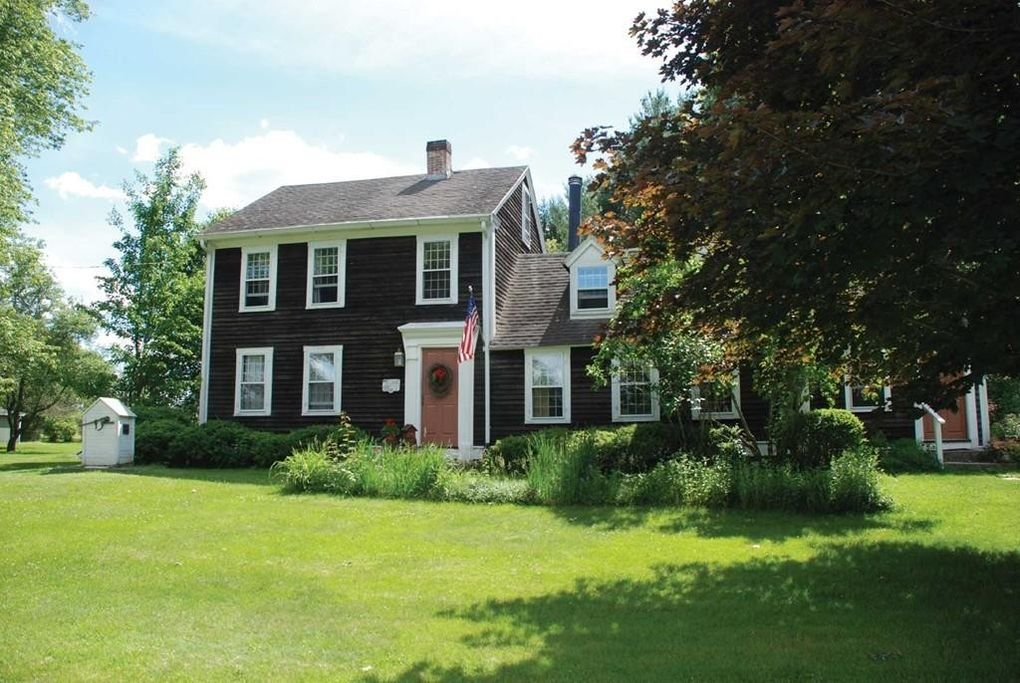 16 Washington St Mendon, MA 01756