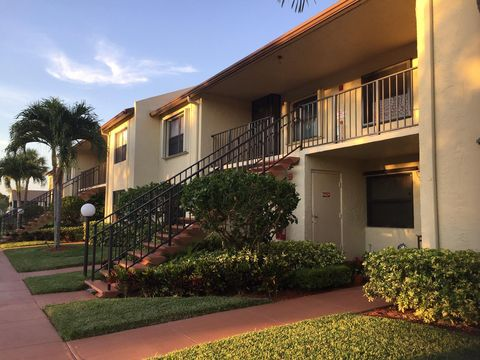 Photo of 7926 Willow Spring Dr Apt 1326, Lake Worth, FL 33467
