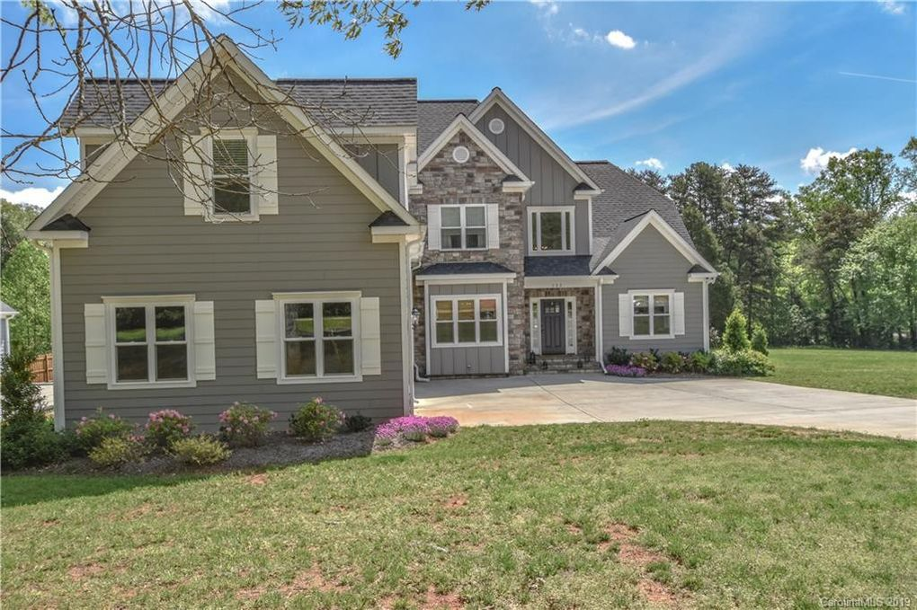 122 Millhouse Rd, Mooresville, NC 28117