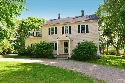 Photo of 140 Greene Ln, Middletown, RI 02842