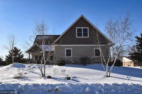 Photo of 1005 9th St Sw, Pine City, MN 55063
