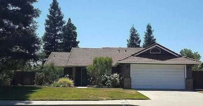 294 Filbert Ave Clovis, CA 93611