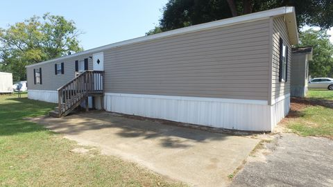 Photo of 3535 Roberts Ave Lot 221, Tallahassee, FL 32310