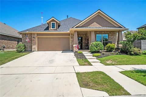 Photo of 1900 Henderson Dr, Argyle, TX 76226