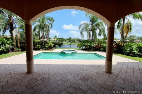 South Florida, FL Houses for Sale with Swimming Pool