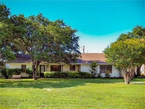 Photo of 251 Rocky Hill Rd, Brownwood, TX 76801