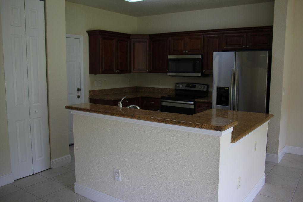 4303 Emerald Vis Lake Worth Fl 33461 Home For Rent Realtorcom