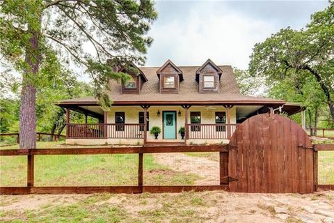 159 Fealy Rd, Red Rock, TX 78662