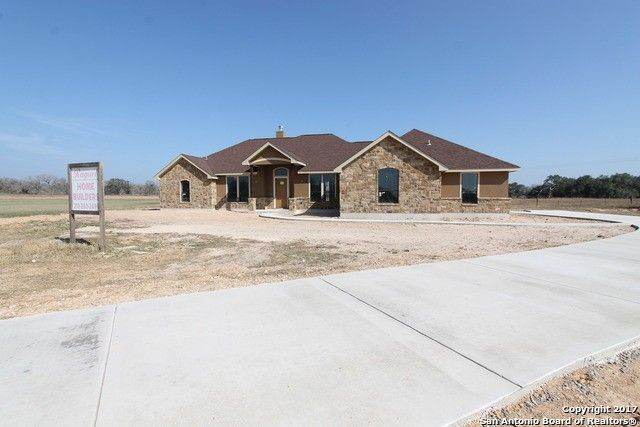 108 chrysa dr floresville tx 78114 home for sale real estate