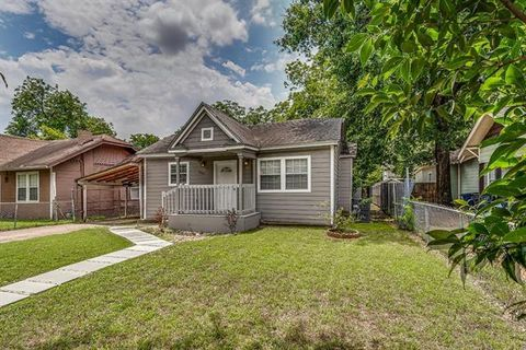 Photo of 610 W Page Ave, Dallas, TX 75208