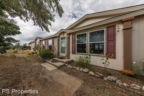 Photo of 64 A Luke Rd, Moriarty, NM 87035