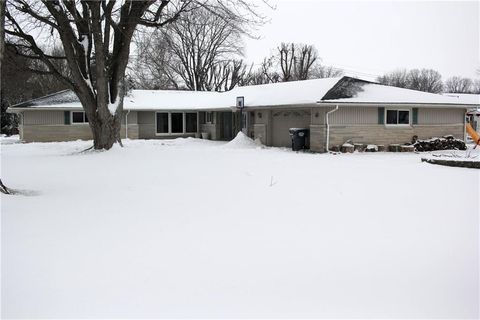 Photo of 9992 W Sunset Ln, Elwood, IN 46036