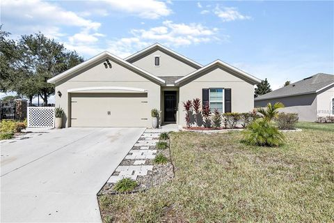 Photo of 579 Lake Cummings Blvd, Lake Alfred, FL 33850