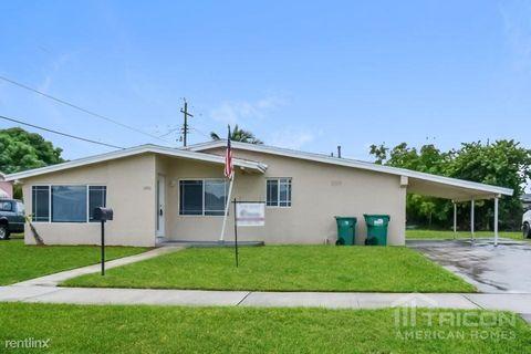 Photo of 1300 Nw 176th Ter, Miami, FL 33169