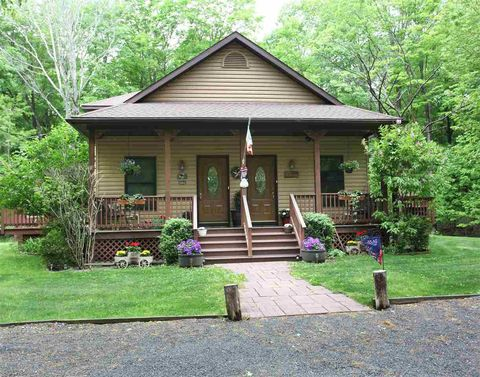 Photo of 1459 River Rd, West Coxsackie, NY 12192
