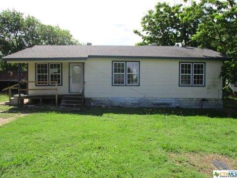 105 Benton St, Rogers, TX 76569