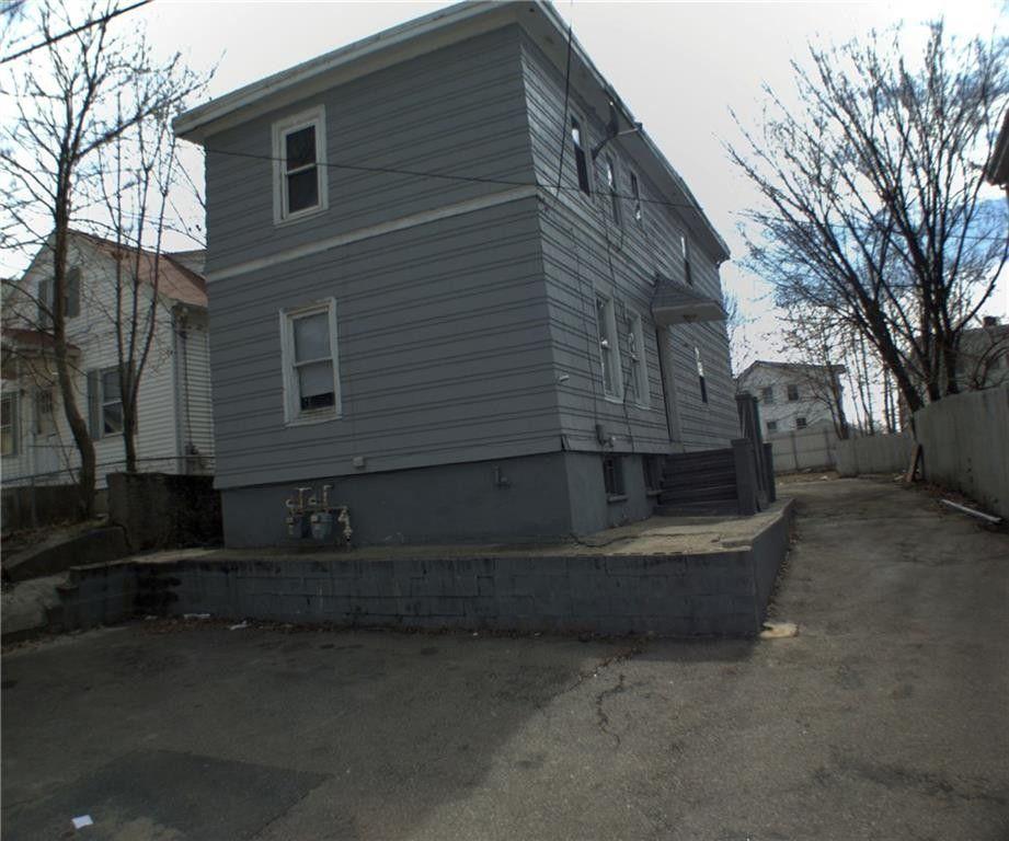 39 Gillen St, Providence, RI 02904