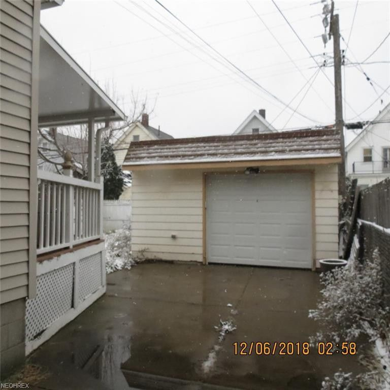 3404 W 120th St, Cleveland, OH 44111