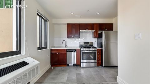 Photo of 135-46 Grand Central Pkwy Unit 1 A, New York, NY 11435