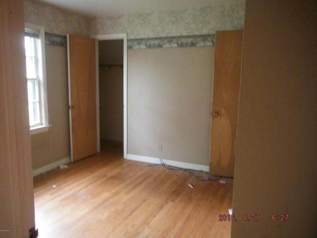 1826 dorchester ave kalamazoo mi 49001 for Hardwood floors kalamazoo