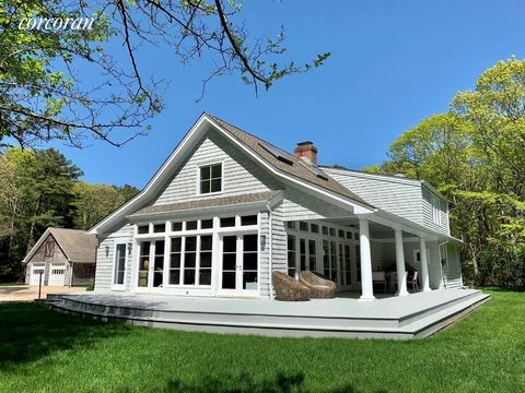Photo of 41 Old Rd Nw, East Hampton, NY 11937