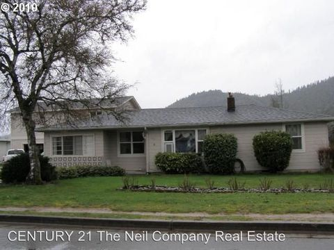 Photo of 103 Alameda St, Myrtle Creek, OR 97457