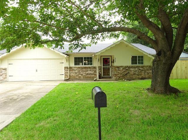 309 Live Oak Dr Mansfield, TX 76063
