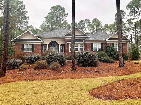 Photo of 206 Plantation Dr, Southern Pines, NC 28387