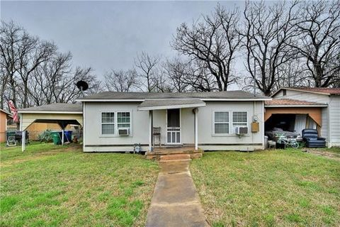 Photo of 107 Franklin St, Taylor, TX 76574
