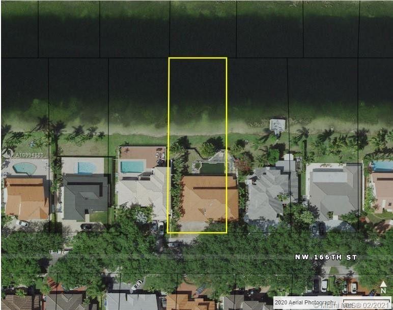8011 NW 166th St Miami Lakes, FL 33016