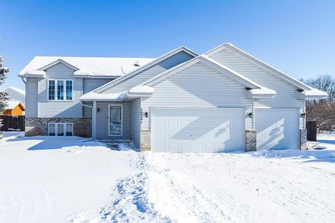 Photo of 30747 Regal Ave, Shafer, MN 55074