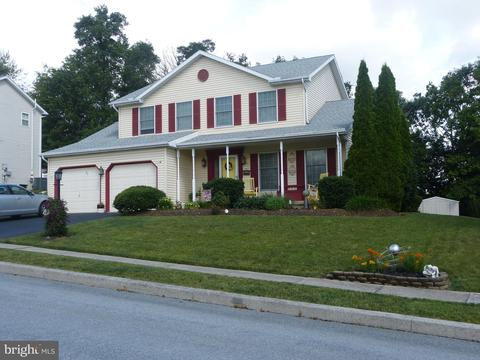 8775 Washington Cir, Hummelstown, PA 17036