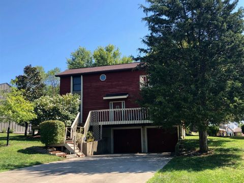 19894 Lakeview Dr, Lawrenceburg, IN 47025