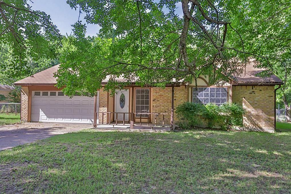 115 Leigh Anne St Huntsville, TX 77320