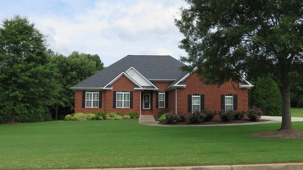 135 Rose Creek Dr Covington, GA 30014