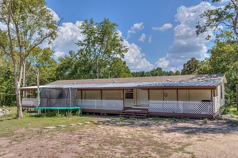 Photo of 228 Geneva Rd, Huntsville, TX 77320