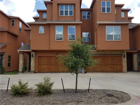 Photo of 2655 Villa Di Lago Unit 4, Grand Prairie, TX 75054