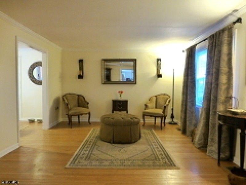 35 Inwood Rd, Berkeley Heights, NJ 07922
