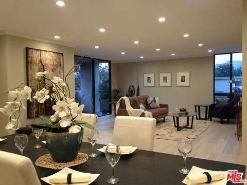 150 N Almont Dr Unit 301, Beverly Hills, CA 90211