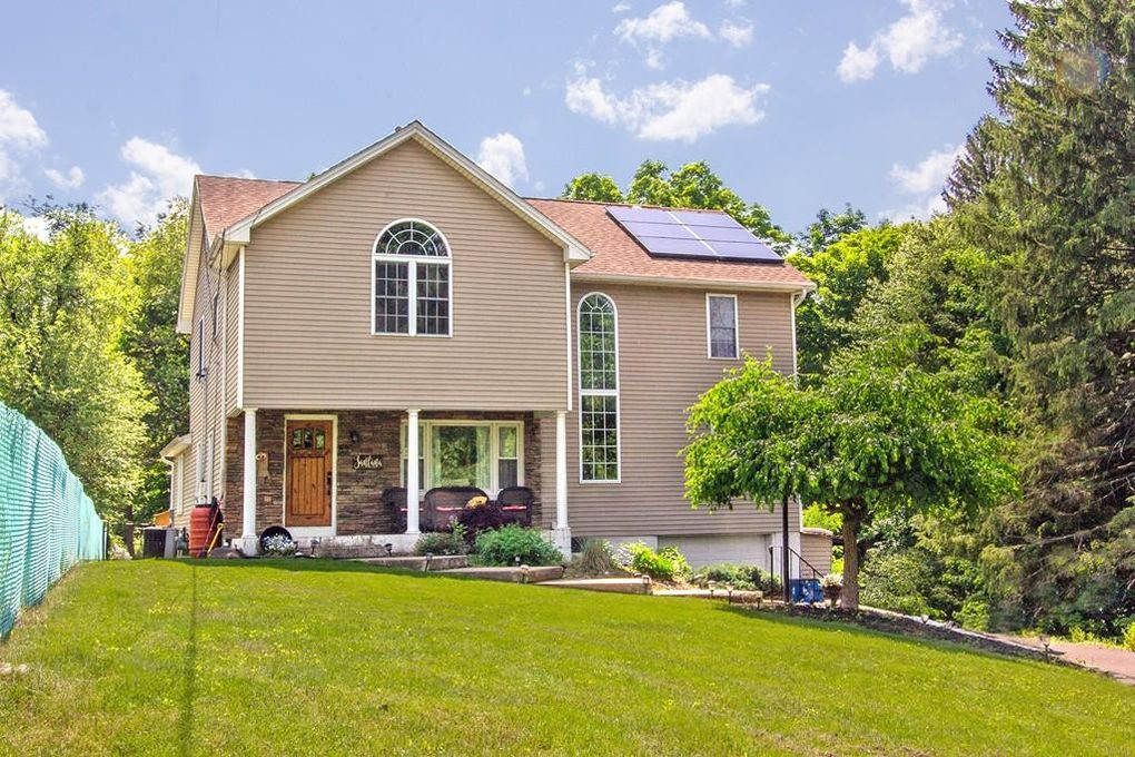 83 Sibley Ave West Springfield, MA 01089