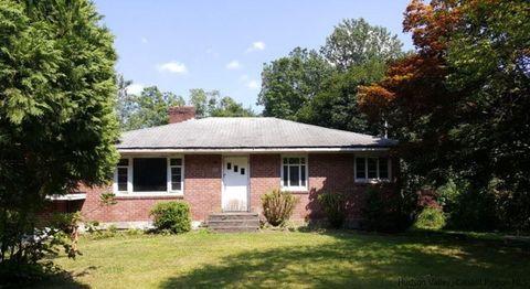 24 New Rd, Newburgh, NY 12550