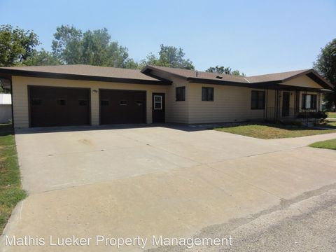 Photo of 610 Logan St, Chapman, KS 67431