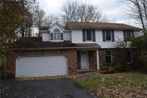 Photo of 84 Periwinkle Ct, East Amherst, NY 14051